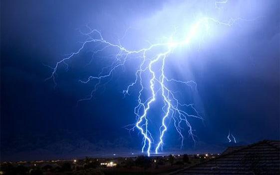 雷のエネルギーって電力に換算するとどれくらい?