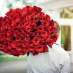 バラの花束100本の意味とは?バラ100本の値段はいくら?驚きの重さが明らかに!
