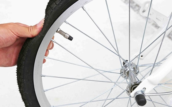 自転車のパンク修理のやり方!自分で直す方法!チューブの出し方やパンクの直し方