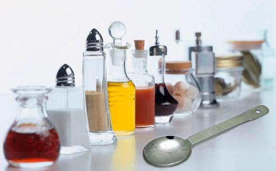 大さじ1杯はそれぞれ何グラム?調味料や粉で重さが違うの知ってます?